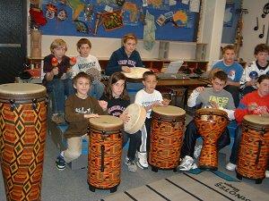 children playing tubanos